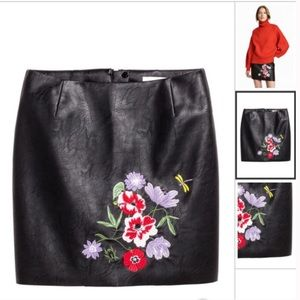 H&M vegan leather embroidered floral mini skirt 10